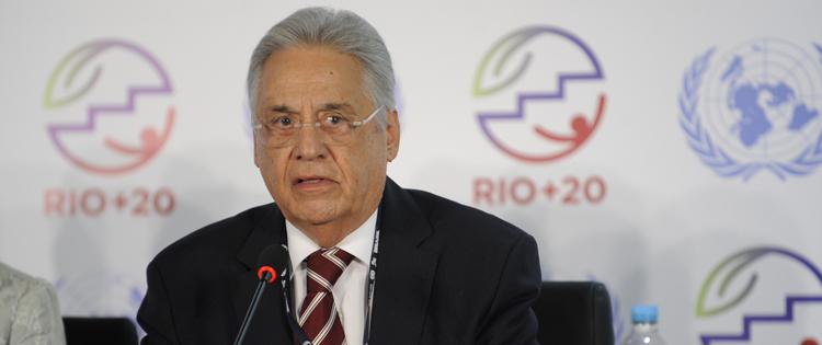 Fernando Henrique Cardoso supports Elisaldo Carlini Marijuana Researcher