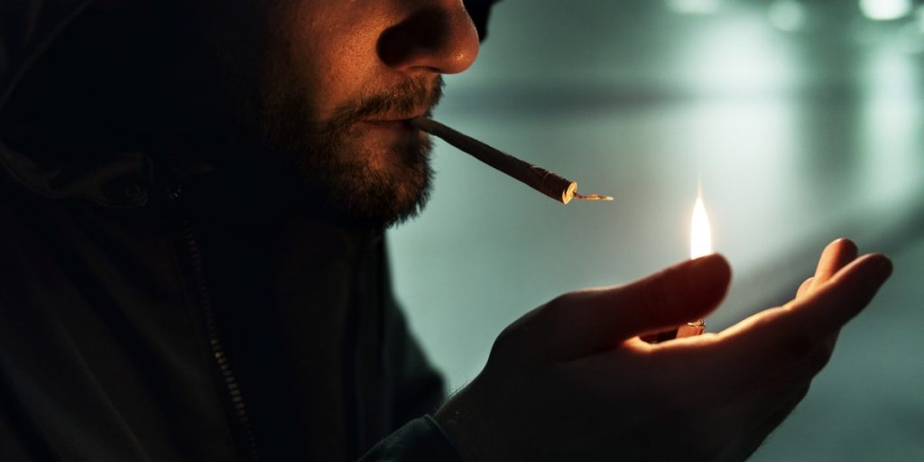 Smoking Cannabis Dying Trend